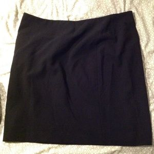 Simple black Lord & Taylor skirt 24 plus size